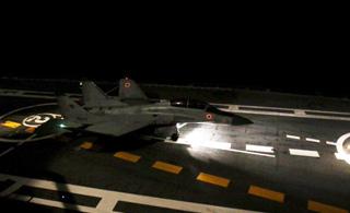 印度航母达成一重要战力:舰载机能在夜间起降
