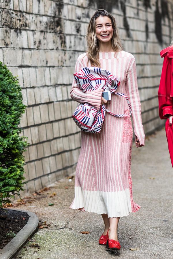 2018年第一波美裙该买啥?目测从秋冬会流行到春天的就是这五条!