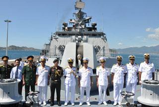 越南高调欢迎印度投资南海油田 请军舰随时来访