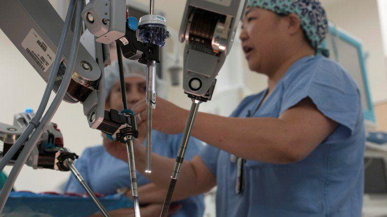 """隐忧!""""机器人医生""""正偷走年轻医生的培训机会"""