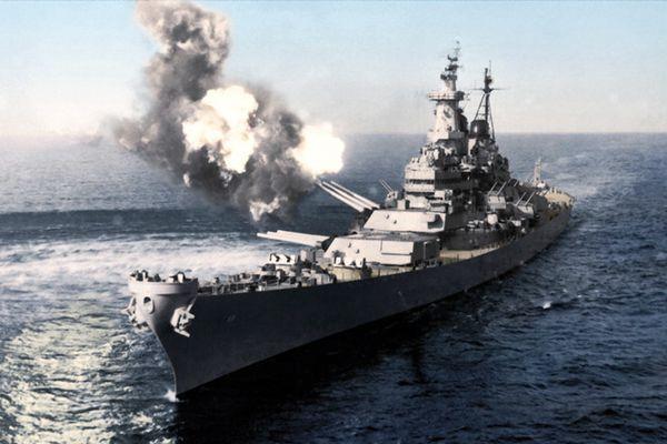 英设计师为老照片上色 还原经典战争船舰原样