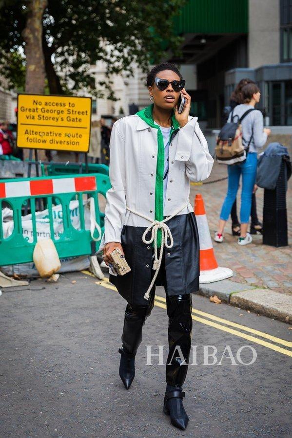 让邓紫棋和汪峰被群嘲的皮裤,竟然被她们穿得这么好看?