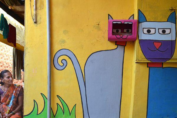"""孟买贫民窟""""穿上""""彩绘外衣 卡通涂鸦造就萌系天堂"""