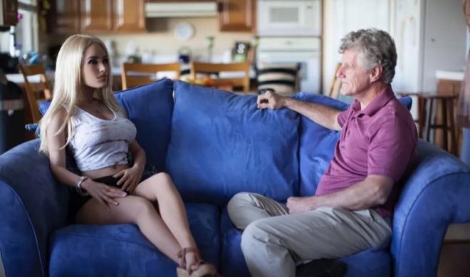 当AI与性爱娃娃结合:你还会想跟真人谈恋爱吗?