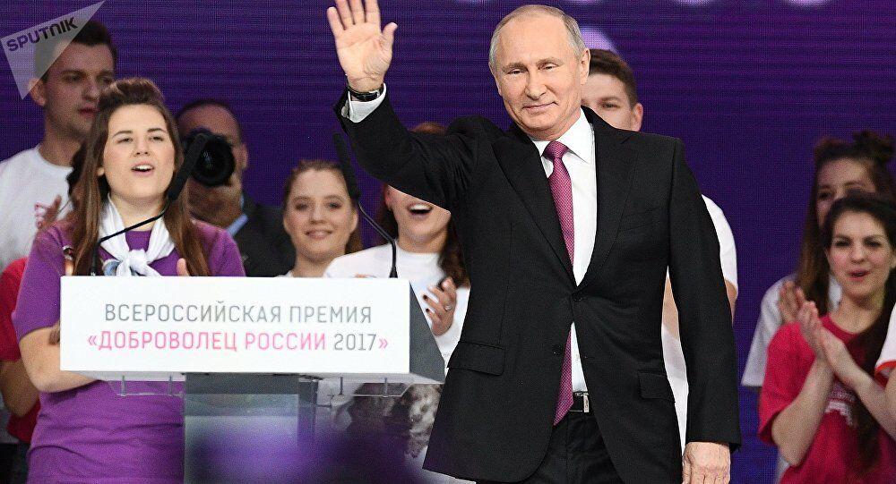 俄民调:74%的俄罗斯人拟在总统选举中支持普京