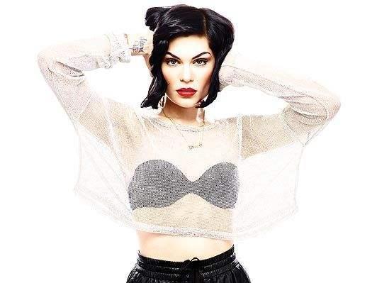 Jessie J首秀《歌手》夺冠,网友:不仅唱歌好就连衣品也这么厉害