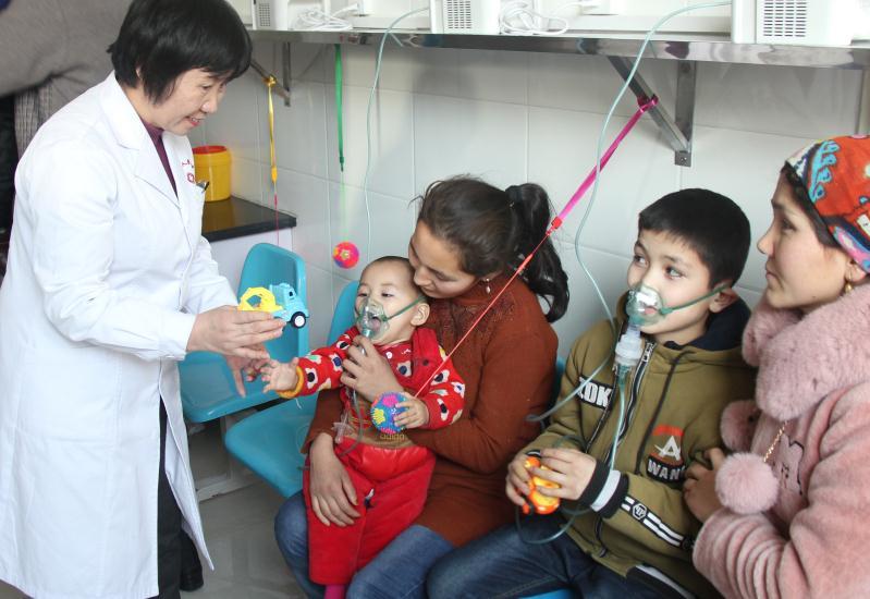解决实际医疗需求 绍兴中心医院援疆医生助建雾化室
