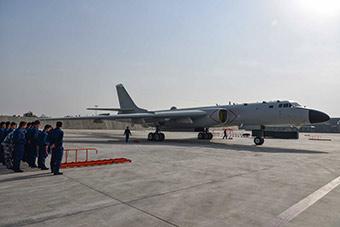 近距离接触中国最先进战略轰炸机