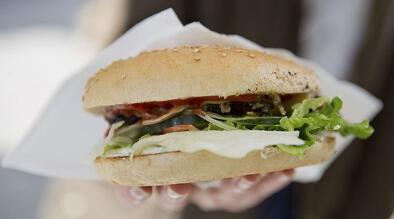 外媒:食用快餐危害免疫系统