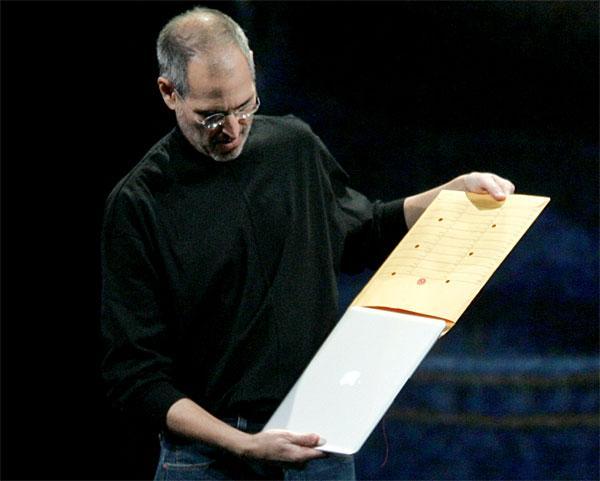 10年前的今天,乔布斯从档案袋里拿出了MacBook Air