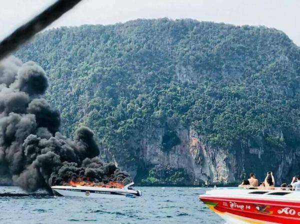 """泰国警方正还原快艇爆炸经过,初步调查指向船员""""鲁莽行为"""""""