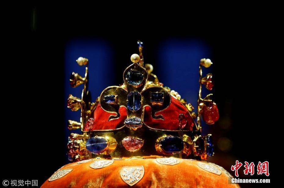 捷克存有欧洲最古老皇冠 需7把钥匙才能解锁