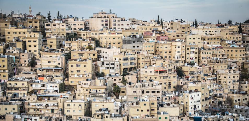 俯瞰约旦首都安曼 坐落在七个山头上的城市