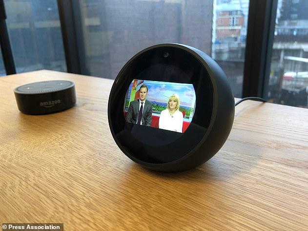 亚马逊新款智能音响再进化:添加摄像头和麦克风