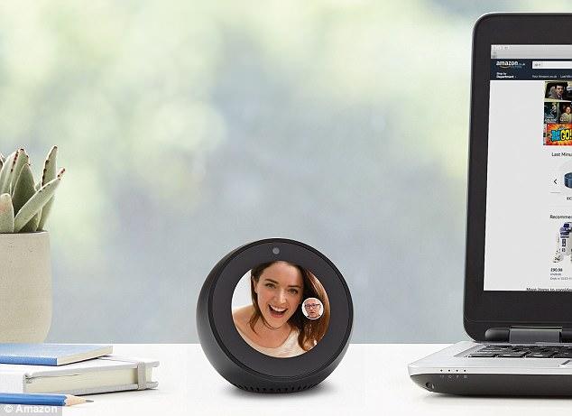 【环球网科技综合报道】据英国《每日邮报》1月16日报道,亚马逊在英国上市最新款智能音箱Echo Spot,拥有摄像头和麦克风。