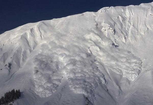 瑞士家族企业出手 助加拿大政府预防雪崩