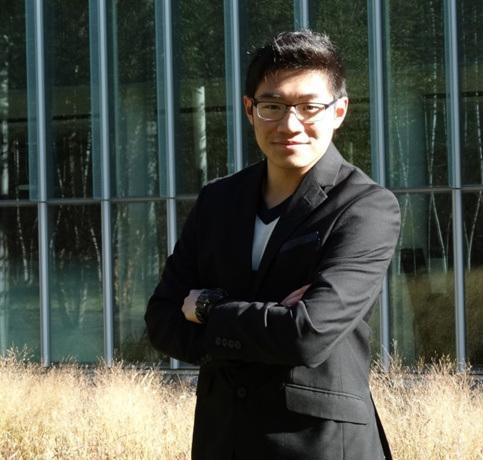 美媒:不舍爷爷离世 美华裔男生钻研抗癌药物获新发现
