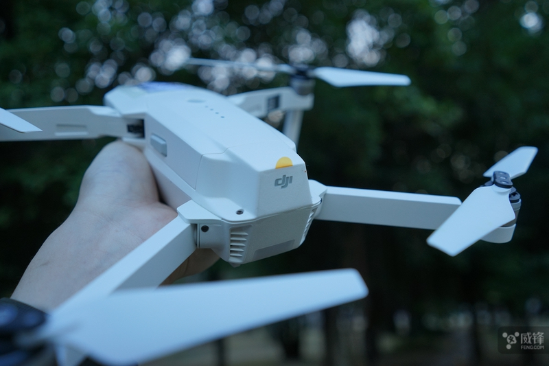 最适合初学者的无人机 大疆Mavic Pro初雪白体验
