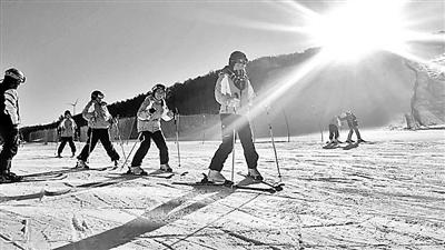北京国际青年营冬奥校园行走进崇礼