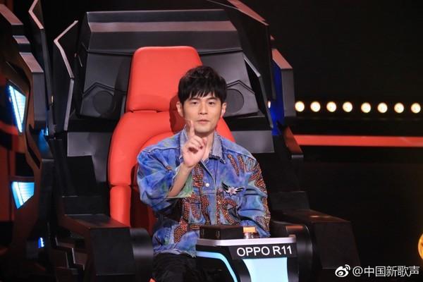 周杰伦《新歌声》捞金1.1亿 新导师名单曝蔡琴