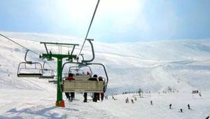 西班牙冬季滑雪赏景两不误