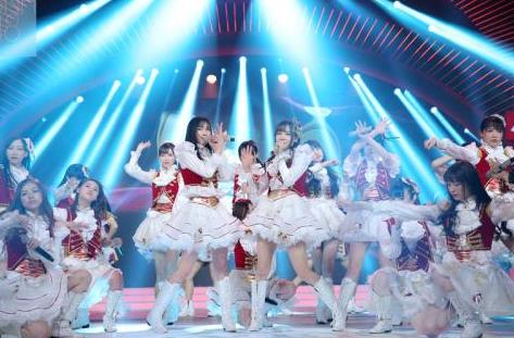 SNH SING 蜜蜂少女队荣获2017中国最受欢迎三大女团