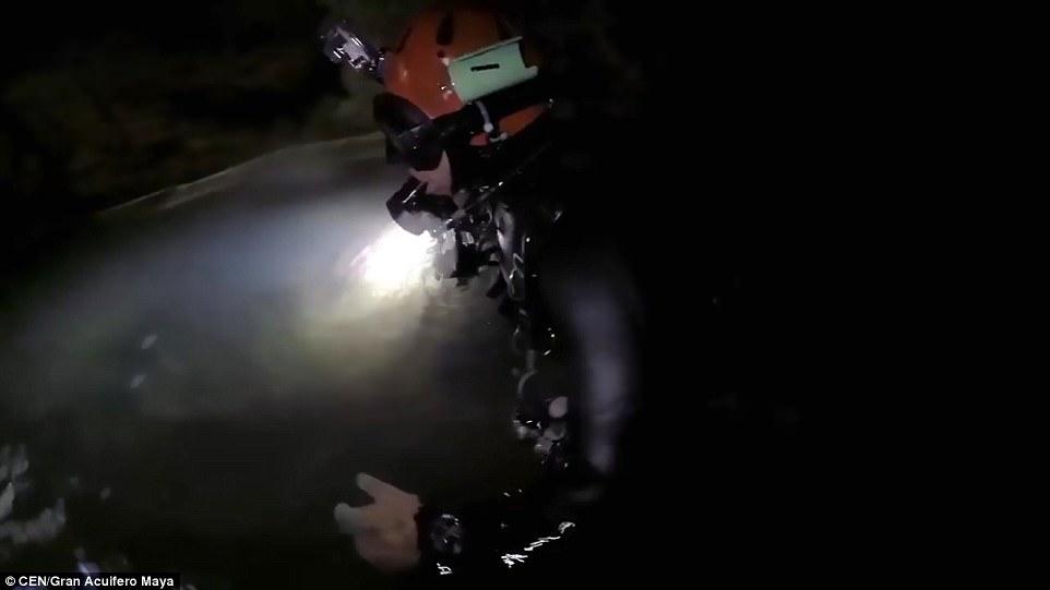 墨西哥发现全球最长水下洞穴 :构造复杂如迷宫