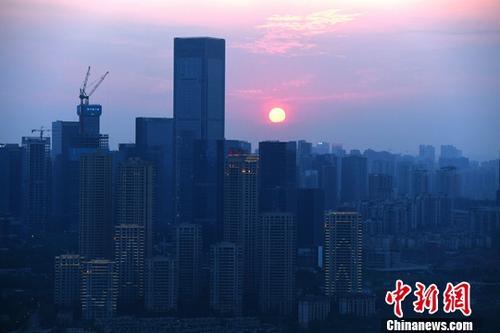 中国9个热点城市2017年末房价同比下跌