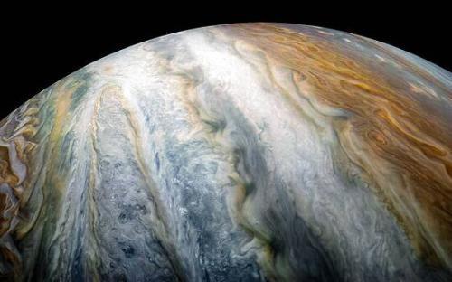 朱诺号探测器拍摄到木星云带:绚丽震撼