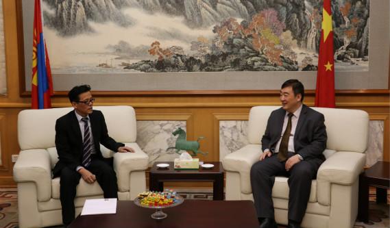 邢海明大使会见蒙古国上海商会会长