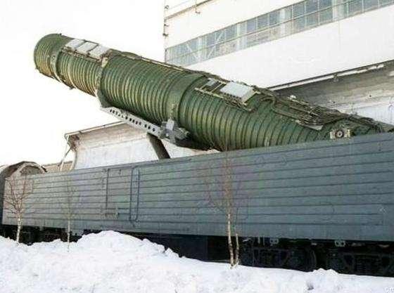 """美媒臆测""""中国幽灵导弹高铁"""":东风41可快速机动"""
