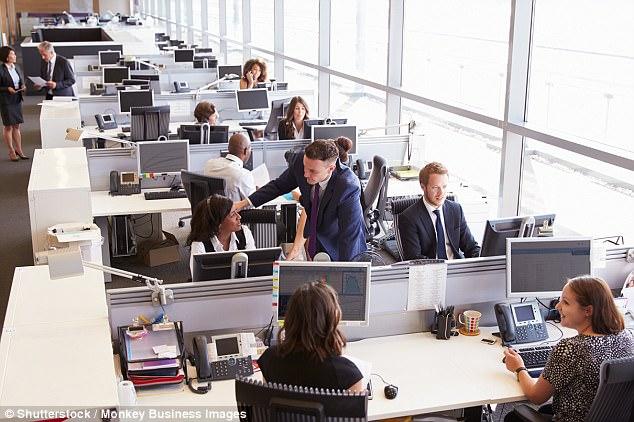 老板们注意!研究称开放式办公环境员工易分心