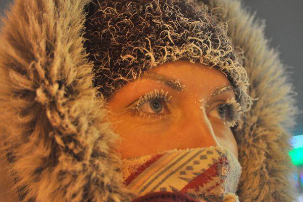 眼睫毛都结霜了!俄罗斯诺里尔斯克零下42度取消主显节冬泳