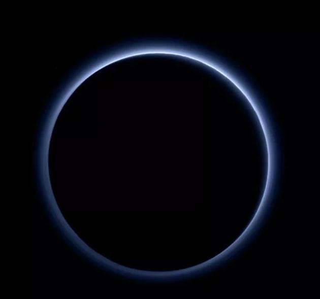 天文史上的今天:一艘飞向冥王星的小小飞船