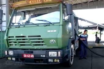 越南苏27战机补给车用中国斯太尔