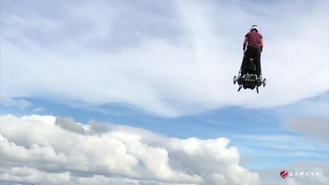 平衡车见过 会飞的平衡车你见过吗?