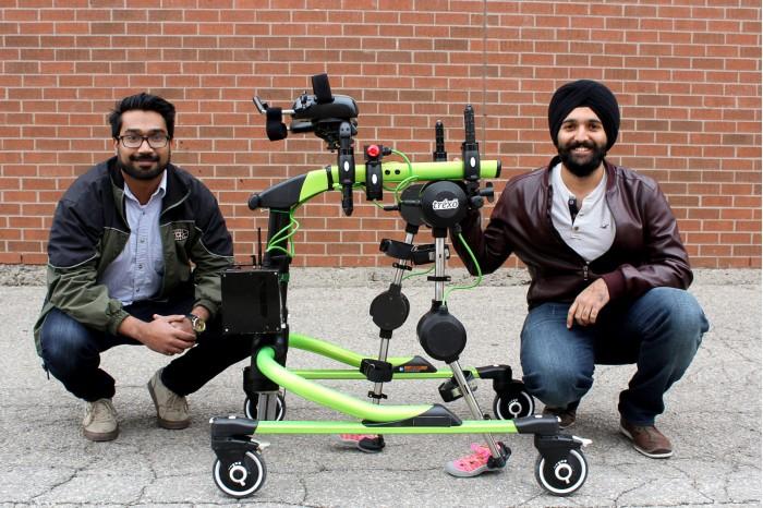 定制款外骨骼机器人 让残疾儿童重获行走能力