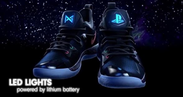 史上最炫酷耐克鞋来了:加入LED光源 PS4主机定制