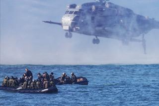 美军带着日本自卫队练夺岛 传授一项独门绝技