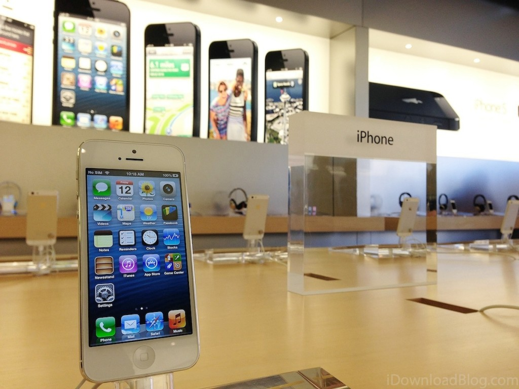 iPhone热度减?苹果靠服务单季收入爆破90亿美元