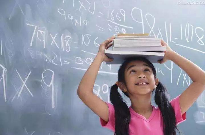 亿万先生学校如何培养学生的批判思维能力