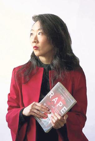 法媒:撰书揭日军暴行华裔女作家张纯如故事在伦敦上演