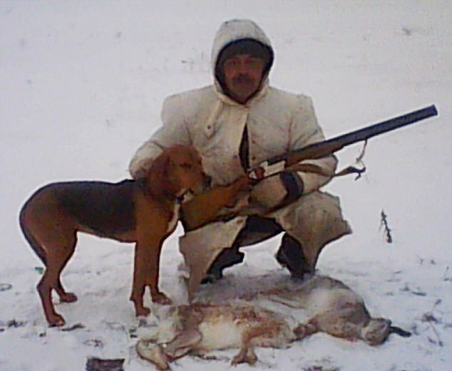 离奇!俄男子狩猎时遭猎狗扣动扳机意外中枪身亡