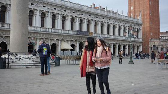 """法媒:中国客拥抱""""佛系旅游"""" 中欧乐坏了!"""
