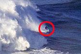 德冲浪者葡萄牙近海挑战高耸巨浪