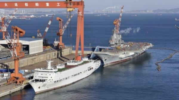 美媒:中国海军首艘国产航母即将出海测试