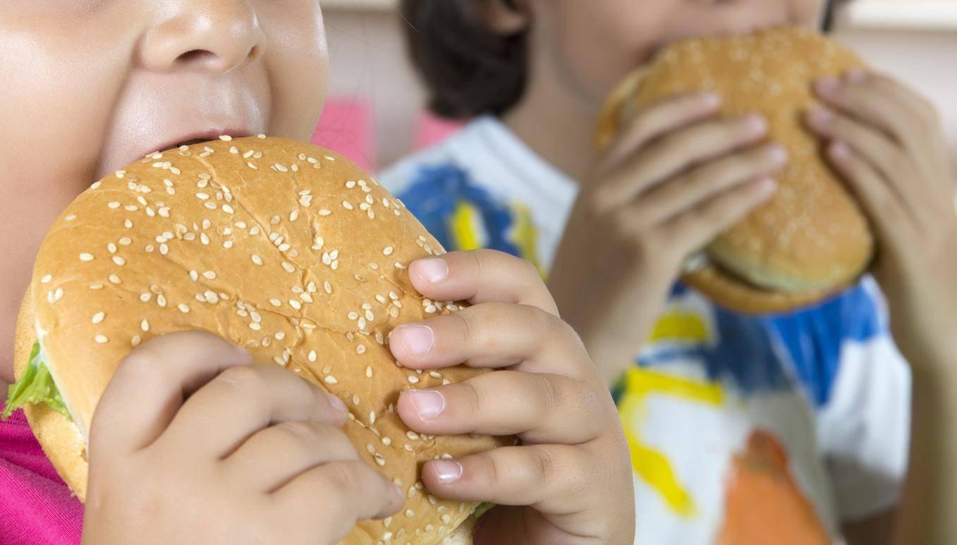 肥胖儿童面临终生超重风险 寿命或缩短10到20年