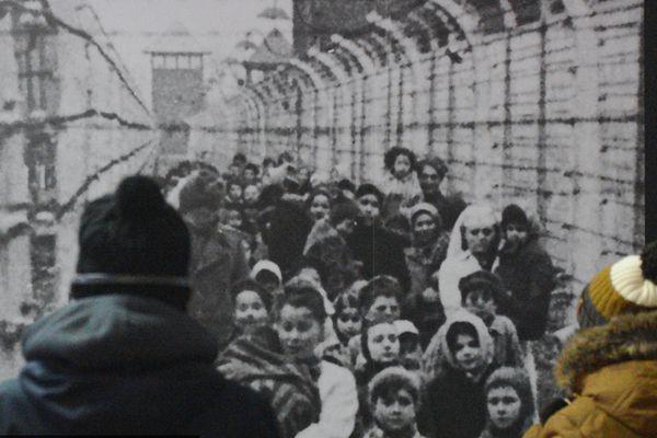 伤痛难以抹去 探访今日奥斯维辛集中营
