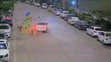 轿车撞飞卖菜环卫工致死 迅速逃逸现场
