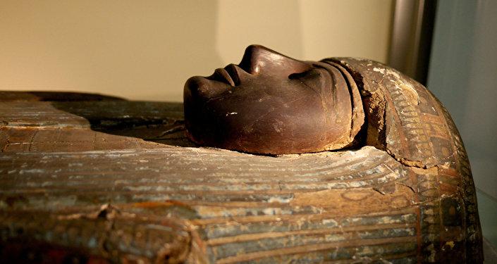研究人员利用3D技术复原九千年前希腊少女面孔